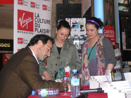 PHOTO-4 - Virgin Signing for 'All Those Things ..' - Marc Levy