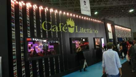 PHOTO-6 - Rio Book Fair Sept 2011 - Marc Levy