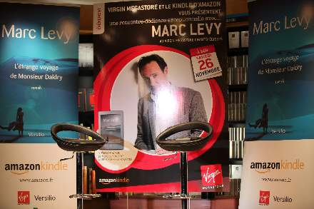 PHOTO-4 - Virgin Store Signing November 2011 - Marc Levy