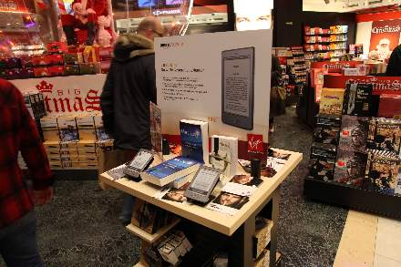 PHOTO-5 - Virgin Store Signing November 2011 - Marc Levy