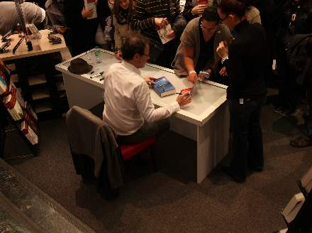 PHOTO-8 - Virgin Store Signing November 2011 - Marc Levy