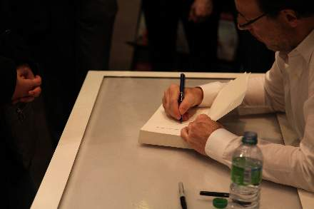 PHOTO-10 - Virgin Store Signing November 2011 - Marc Levy