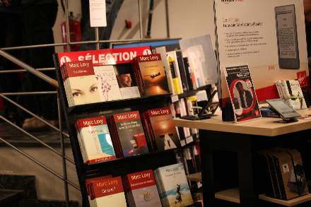 PHOTO-11 - Virgin Store Signing November 2011 - Marc Levy