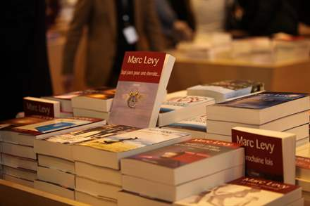 PHOTO-14 - Salon du Livre Paris, signature 23.03.13 - Marc Levy
