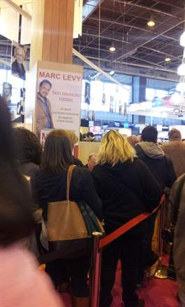 PHOTO-2 - Paris Book Fair  signing 23.03.13 - Marc Levy